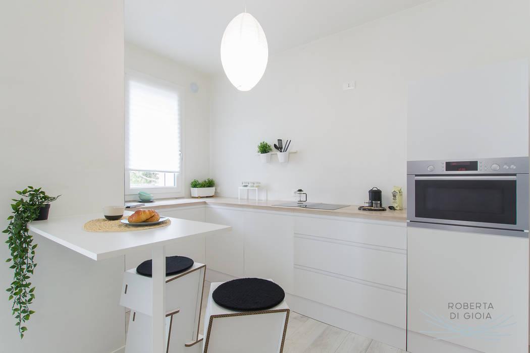 Valorizzazione immobiliare e servizio fotografico in appartamento in cantiere: Cucina in stile  di Home Staging & Dintorni