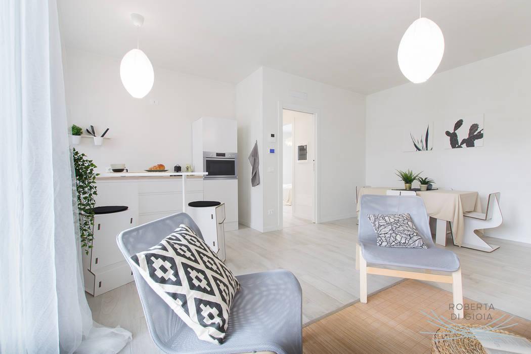 Valorizzazione immobiliare e servizio fotografico in appartamento in cantiere: Cucina in stile in stile Moderno di Home Staging & Dintorni