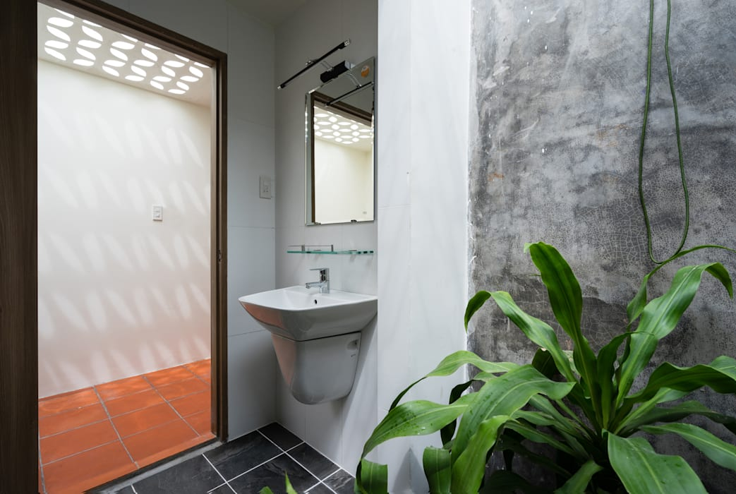 Asian style bathroom by AD+ Asian