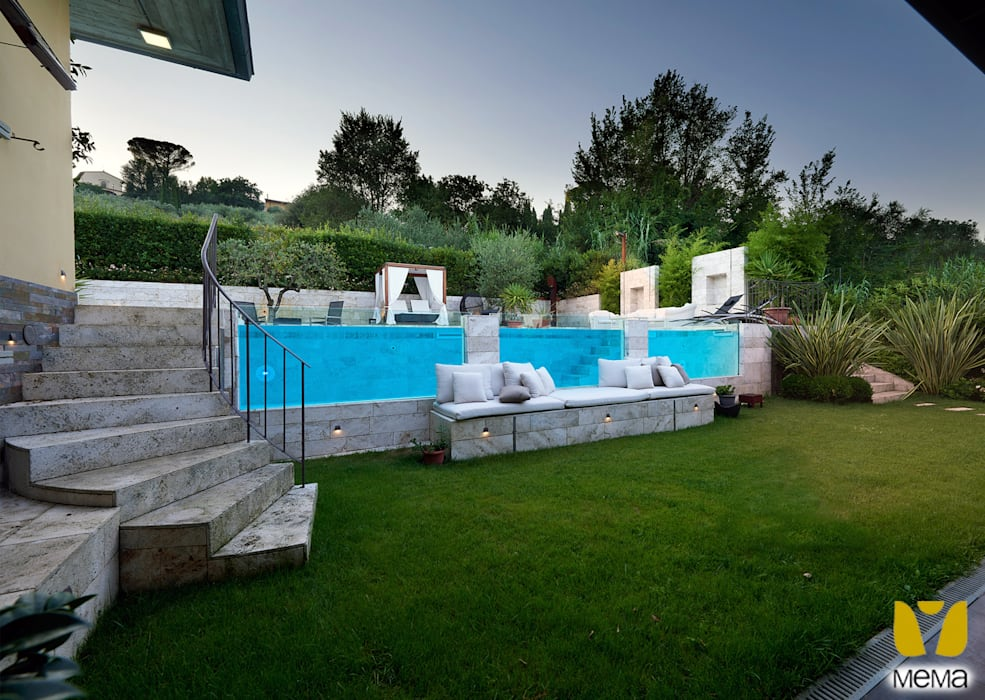Giardini Moderni Con Piscina : Giardino con piscina piscina in stile in stile moderno di mema