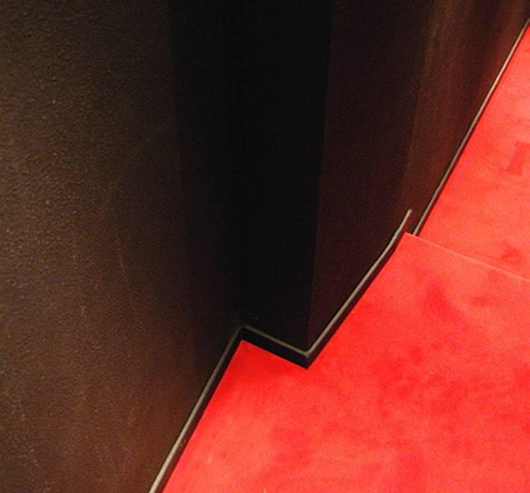 Sala Cinema, Home Theatre: Elettronica in stile  di GS gestione sistemi S.r.l.