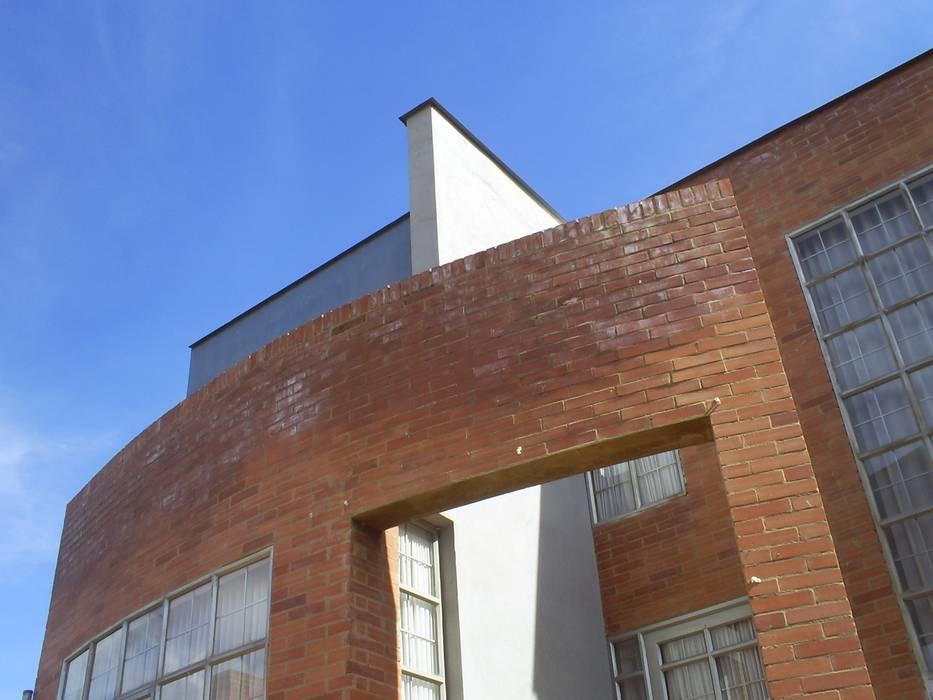 Vista fachada principal: Casas de estilo moderno por MSA Arquitectos
