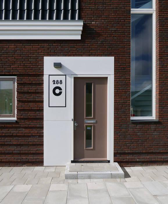 entree:  Deuren door AVEM Architecten, Landelijk