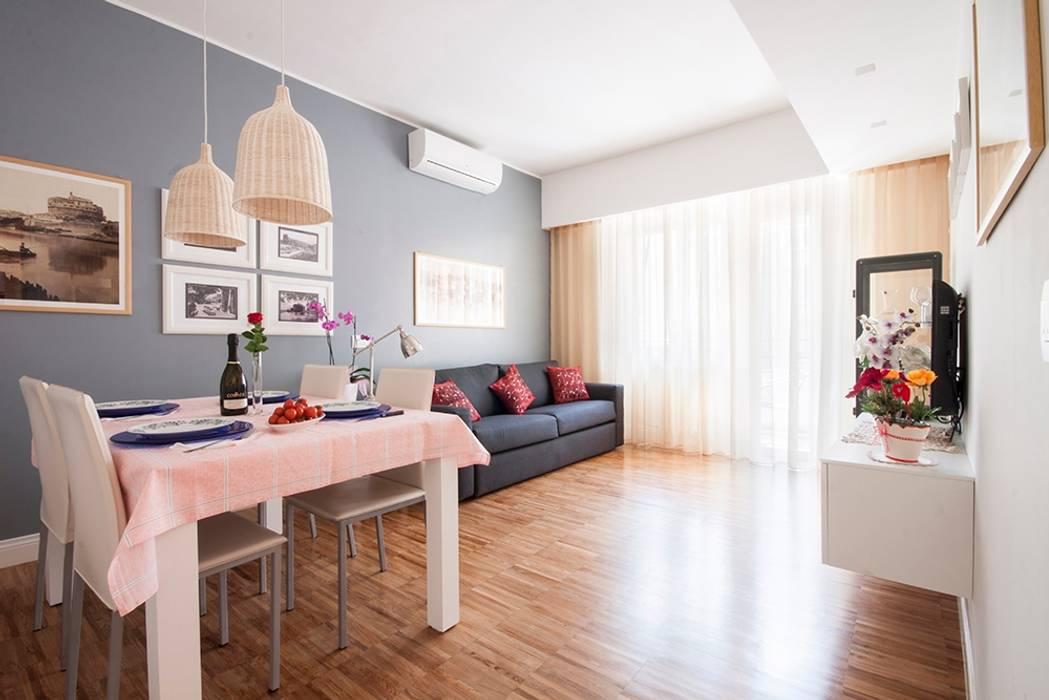 Salones de estilo moderno de a2 Studio Borgia - Romagnolo architetti Moderno