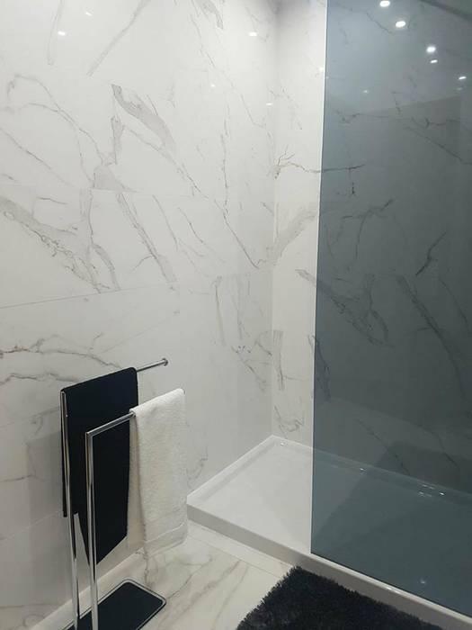 Restyling Wall Entrada e Wc´s Apartamento MEA Interior Design Casas de banho modernas