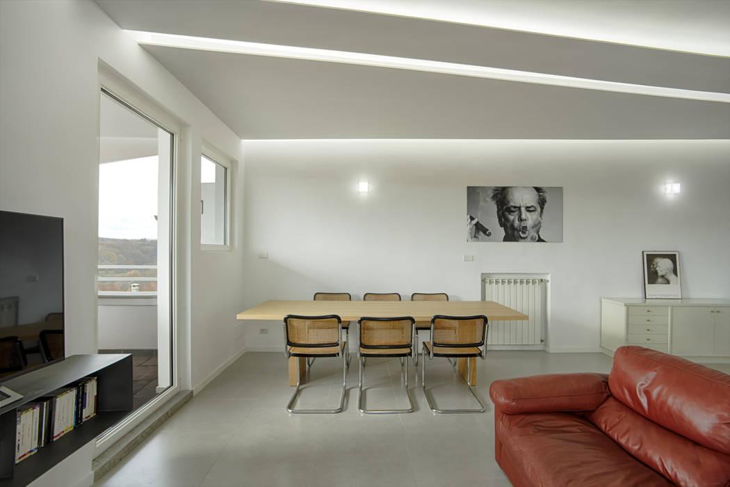 Casa-Cannocchiale MAMESTUDIO Sala da pranzo minimalista