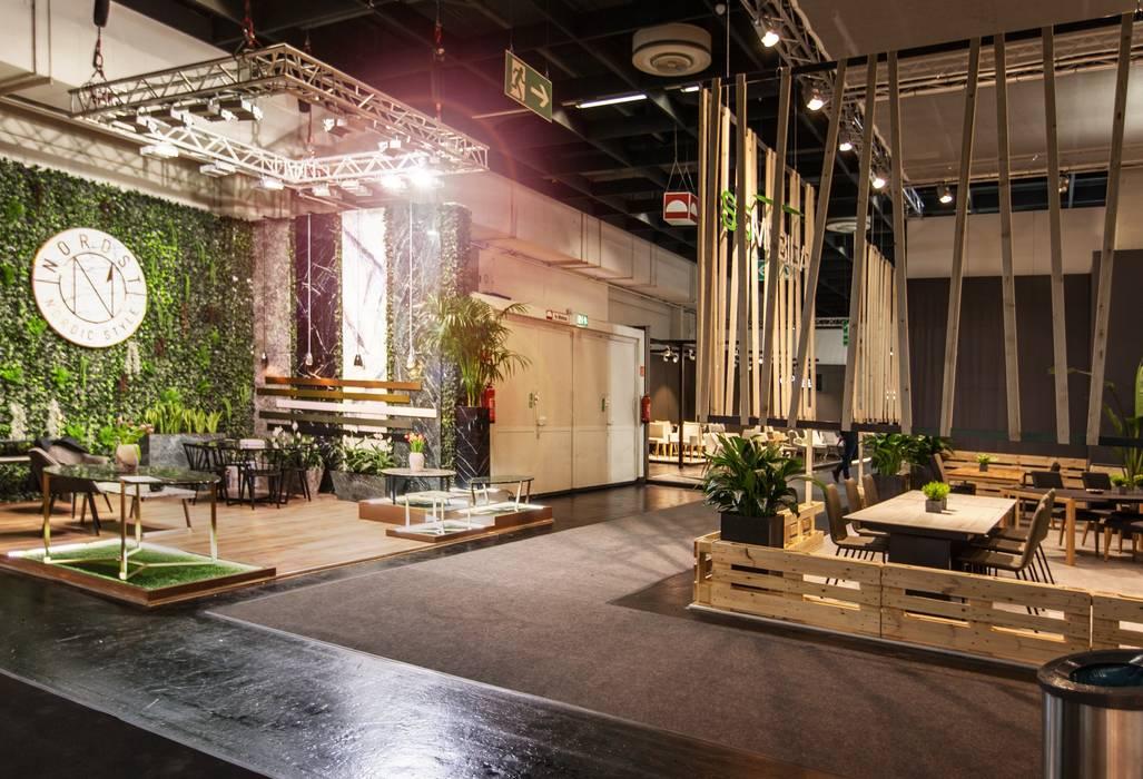 NORDST Stand - IMM 2018 Cologne: Allestimenti fieristici in stile  di Studio Gentile