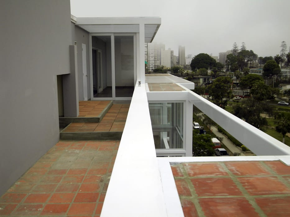 Penthouse Barranco: Techos de estilo  por Artem arquitectura, Moderno
