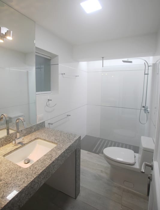 Penthouse dúplex San Isidro Baños de estilo minimalista de Artem arquitectura Minimalista