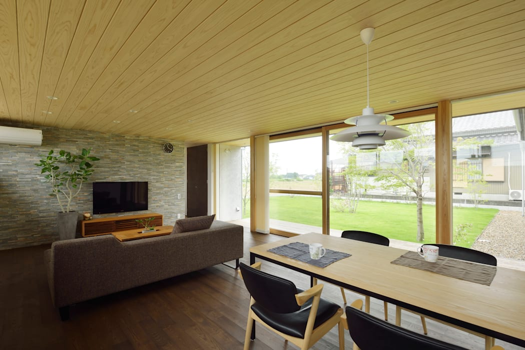 Scandinavian style living room by kisetsu Scandinavian