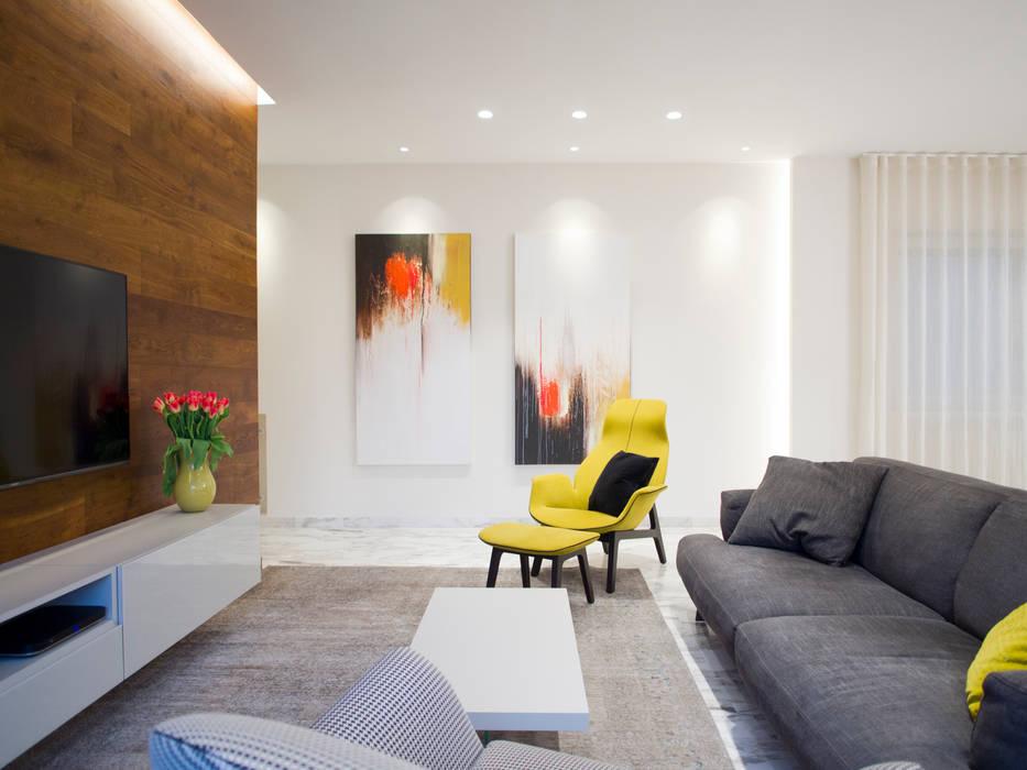 Abitazione Privata L1: Sala da pranzo in stile  di Architetto Adalberto Pacillo