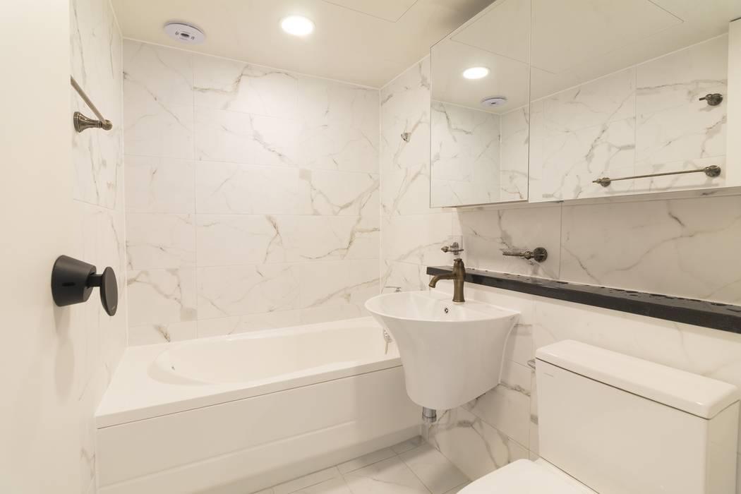 바나나웍스 Modern bathroom
