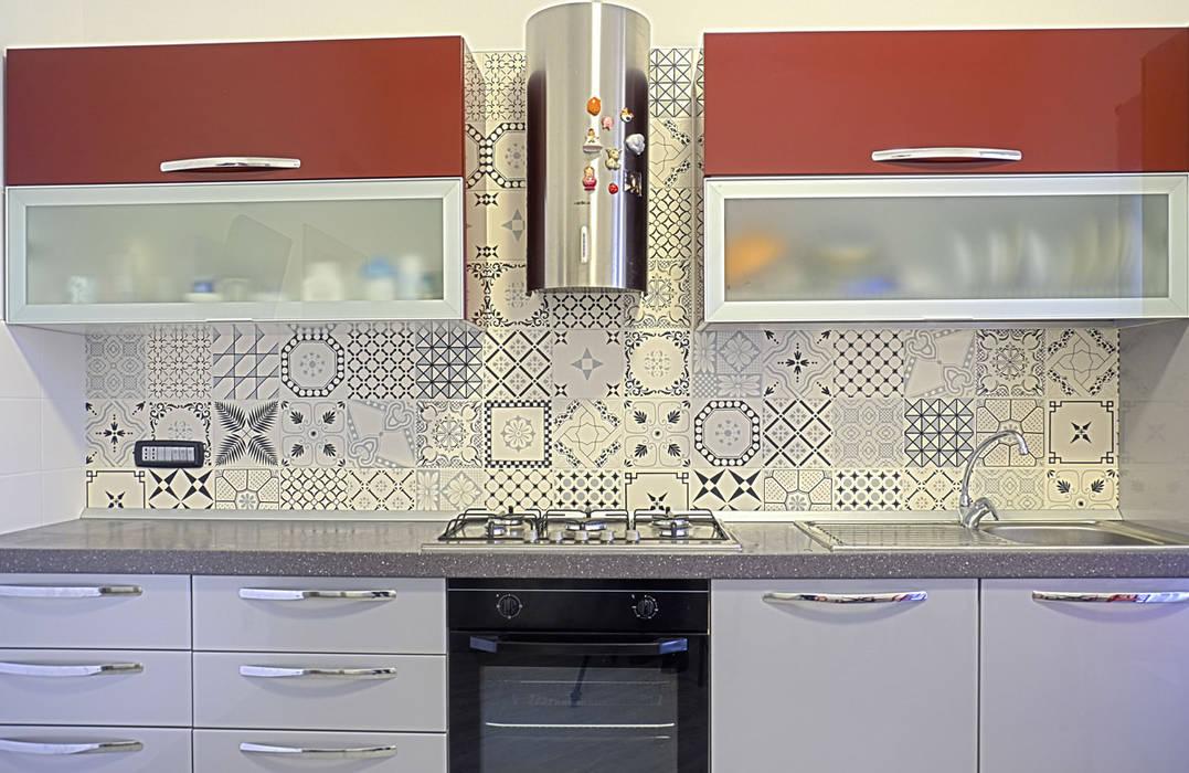 La casa del collezionista -cucina-: Cucina in stile  di Rosa Gorgoglione Architetto