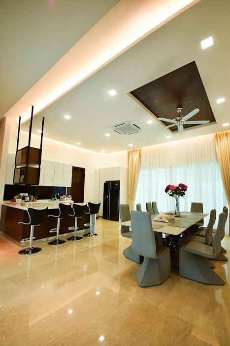 Ampang:  Dining room by Hatch Interior Studio Sdn Bhd