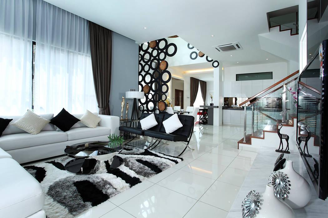 16 Sierra:  Living room by Hatch Interior Studio Sdn Bhd