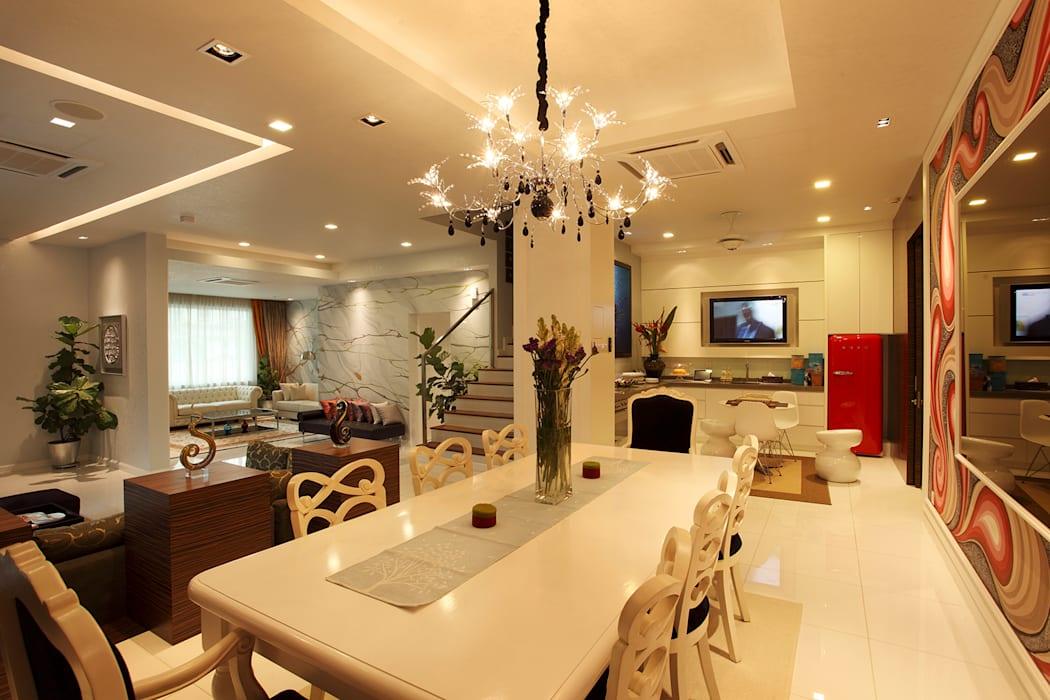 Raflessia:  Dining room by Hatch Interior Studio Sdn Bhd