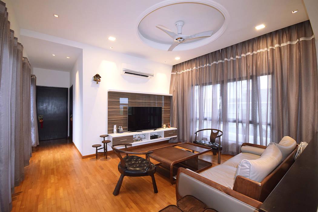 Salas de estar clássicas por Hatch Interior Studio Sdn Bhd Clássico