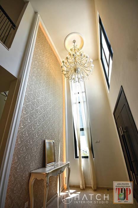 Kajang Jade Hills :  Corridor & hallway by Hatch Interior Studio Sdn Bhd