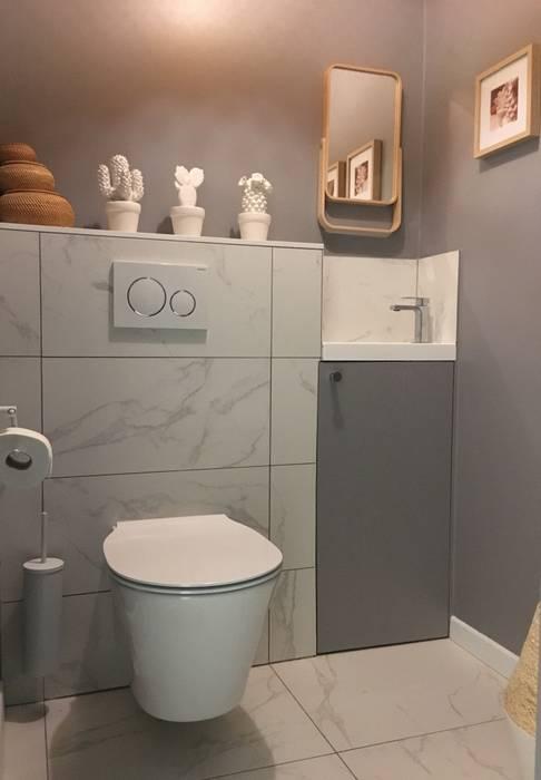 Espace toilettes avec lave-mains: Escalier de style  par HOME feeling