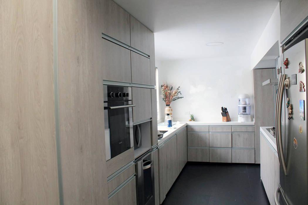 現代廚房設計點子、靈感&圖片 根據 ATELIER HABITAR 現代風