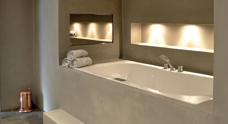 Cleopatra ligbad / bubbelbad: moderne badkamer door cleopatra bv ...