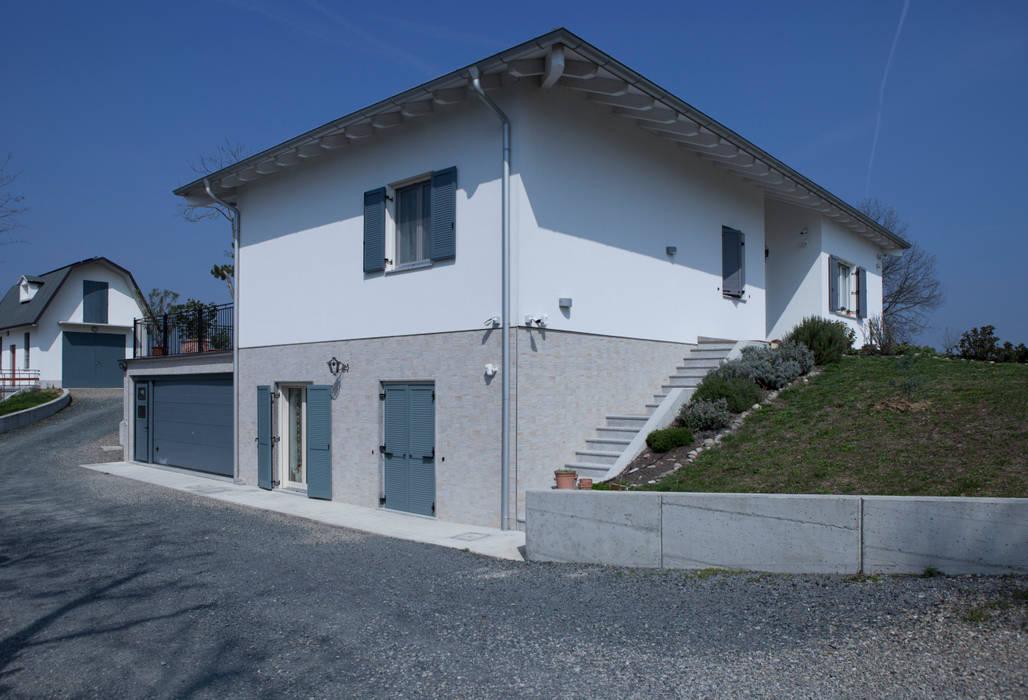 Vista dell'interrato dall'esterno: Casa prefabbricata  in stile  di Spazio Positivo