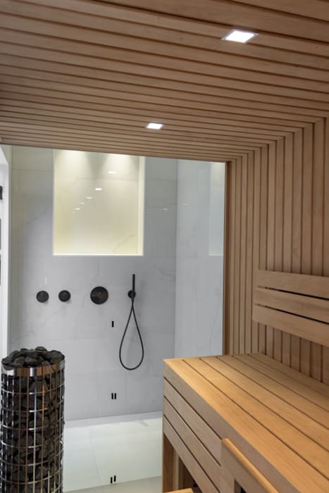 Cleopatra sauna: klasieke badkamer door cleopatra bv | homify