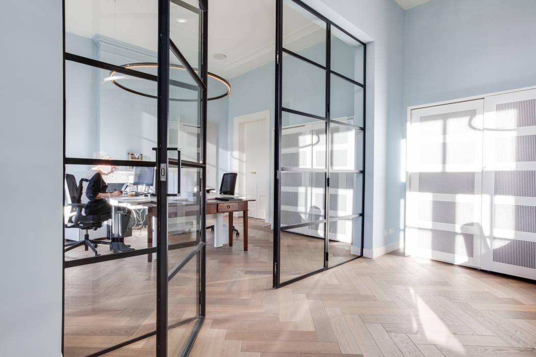 Locaux commerciaux & Magasins de style  par Dineke Dijk Architecten,