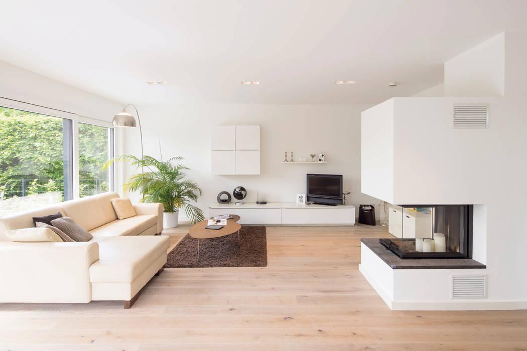 bauhaus unikat der kaminofen im wohnzimmer sorgt fur eine gemutliche atmosphare wohnzimmer von