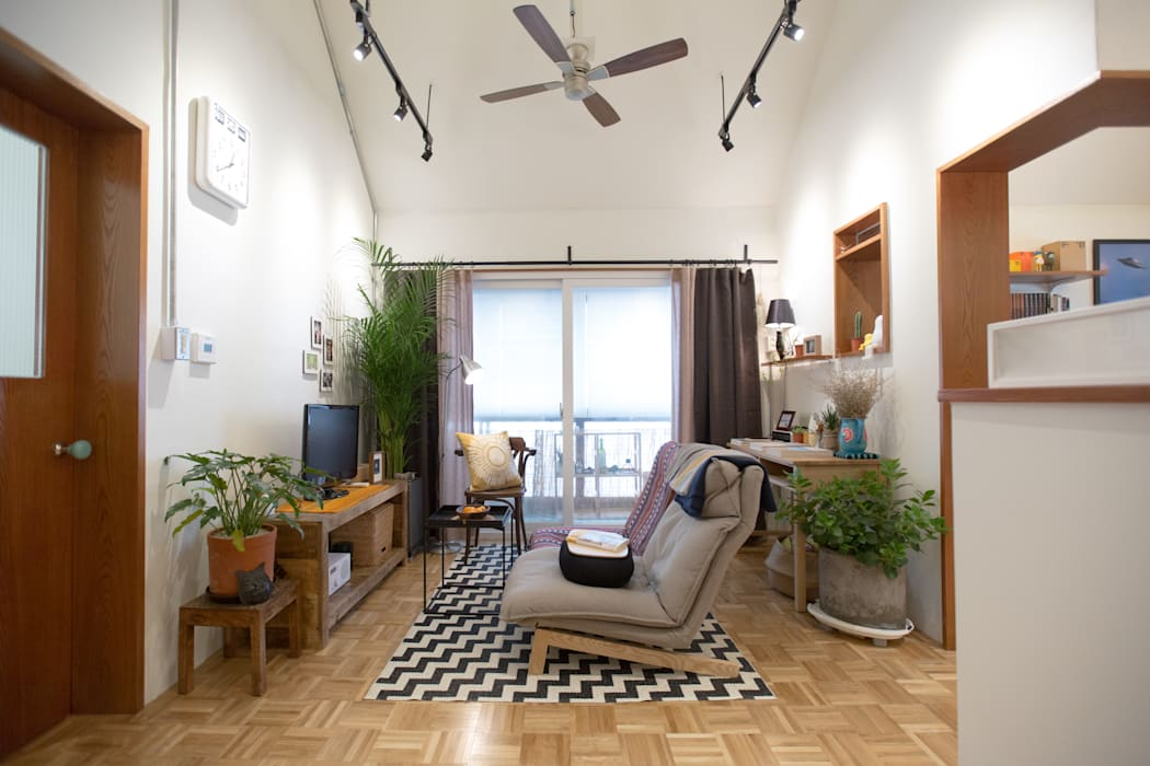 18평 빌라, 탑층 활용기: 미우가 디자인 스튜디오의  거실