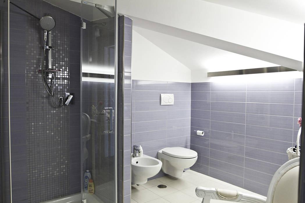 Box doccia: Bagno in stile  di Archihouse