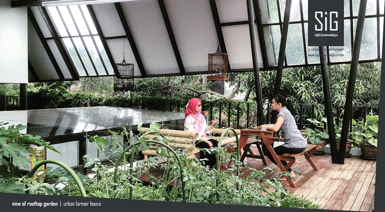 Rumah Kebun Mandiri Pangan (Food Self-Sufficiency House) Oleh sigit.kusumawijaya   architect & urbandesigner Minimalis Kayu Wood effect