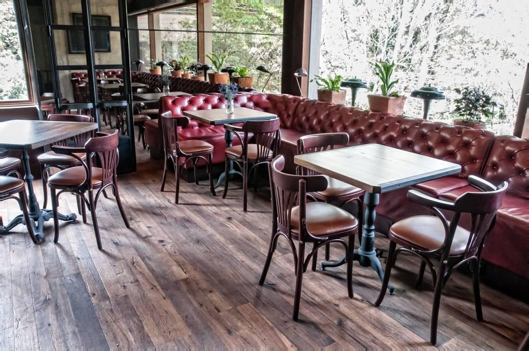 Restaurante Cacio e Pepe: Locales gastronómicos de estilo  por Pisos Millenium ,