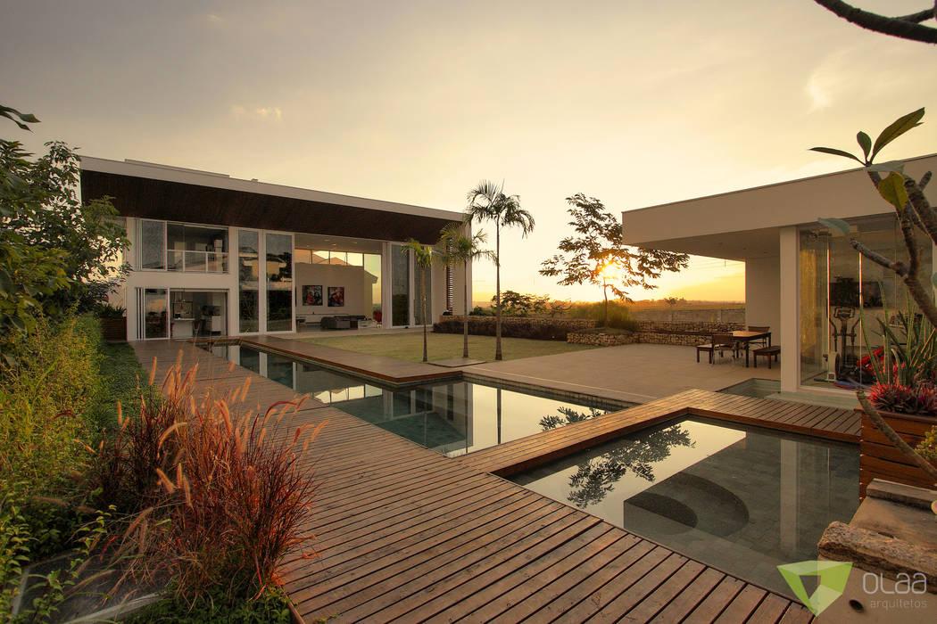 Projekty,  Dom szeregowy zaprojektowane przez Olaa Arquitetos