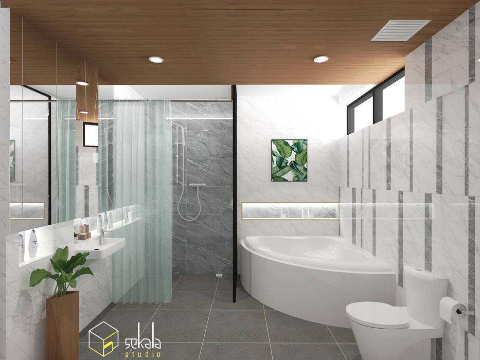 Mr. Adrian's Bathroom Kamar Mandi Tropis Oleh SEKALA Studio Tropis Granit