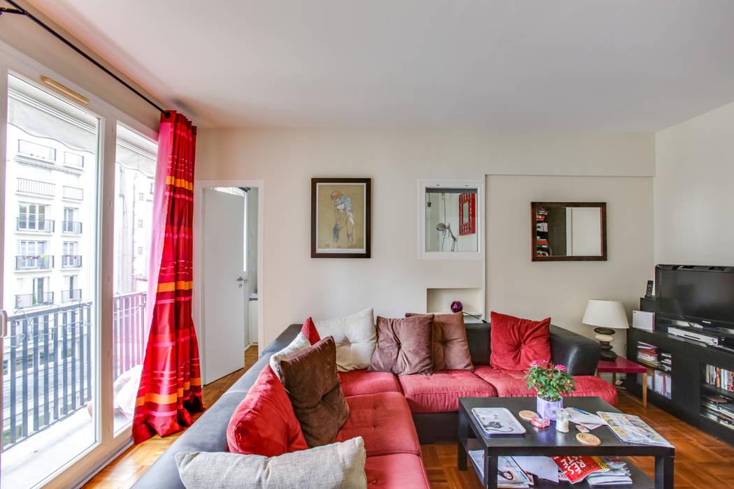 Création chambre de 6m² dans un salon:  de style  par LSAI