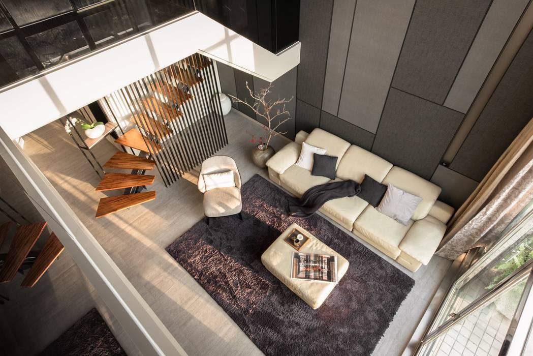 modern Living room by 禾巨事業-建設.工程.空間設計