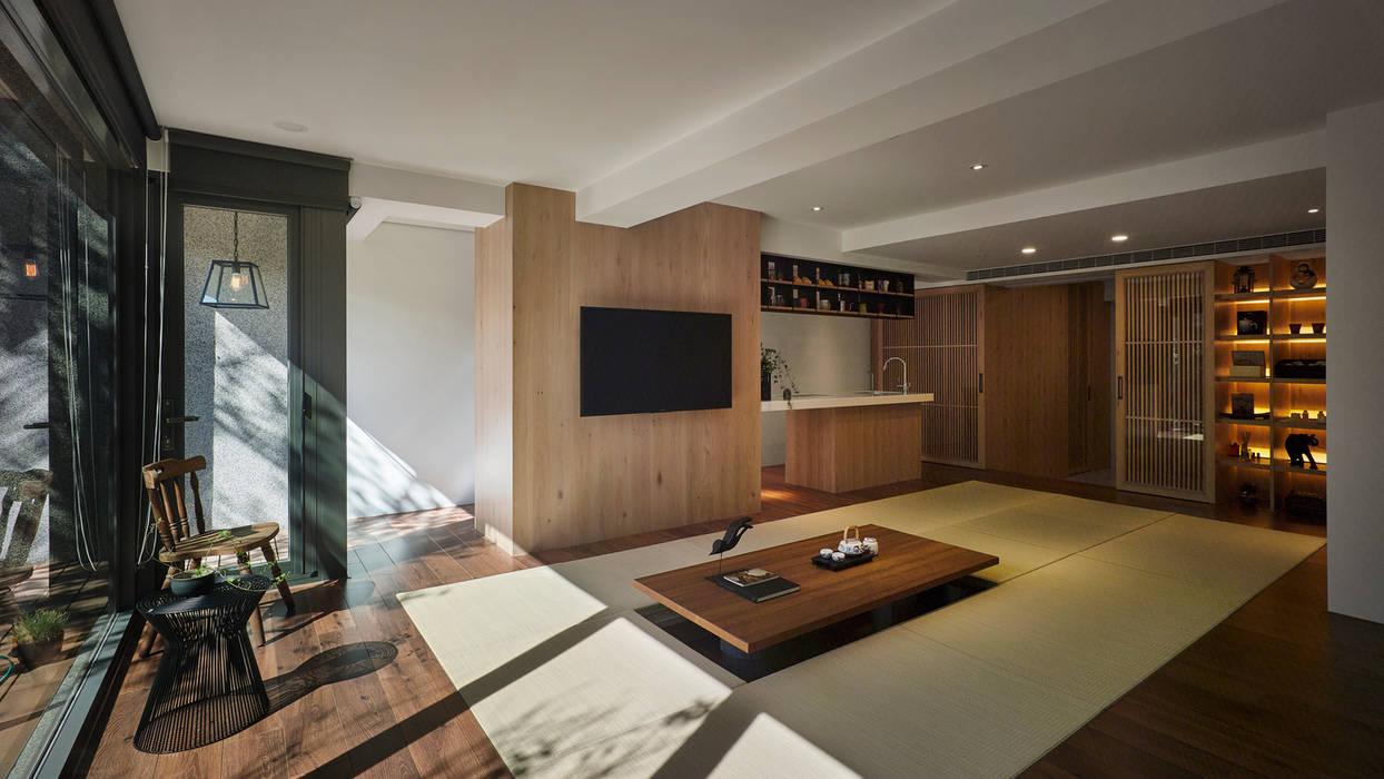 Wohnzimmer von Fertility Design 豐聚空間設計