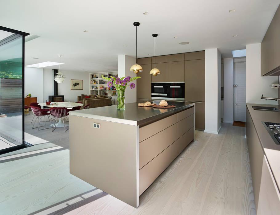 Design Classic Modern kitchen by Kitchen Architecture Modern