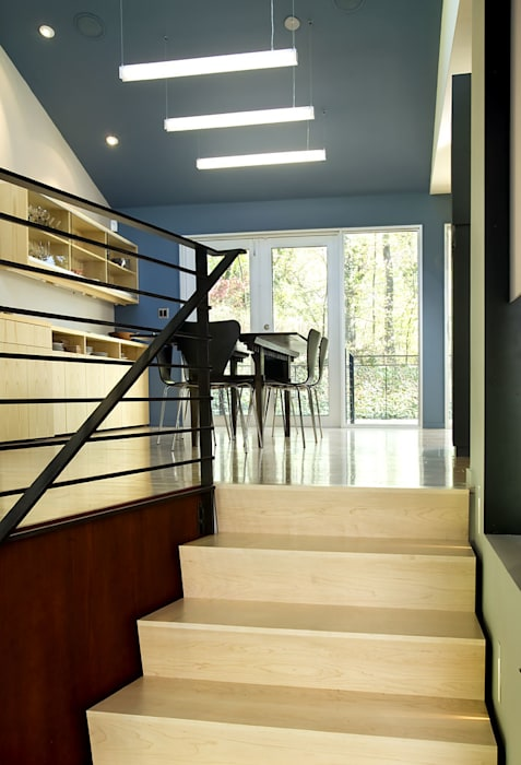Arlington Residence Modern Corridor, Hallway and Staircase by KUBE architecture Modern