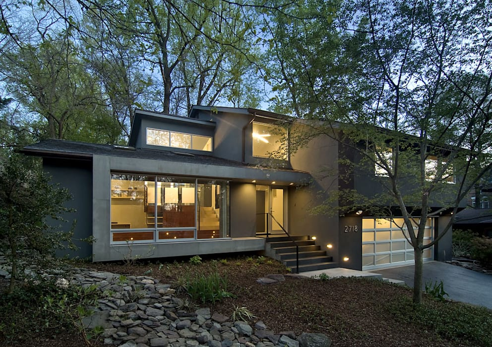 Arlington Residence:  Houses by KUBE Architecture