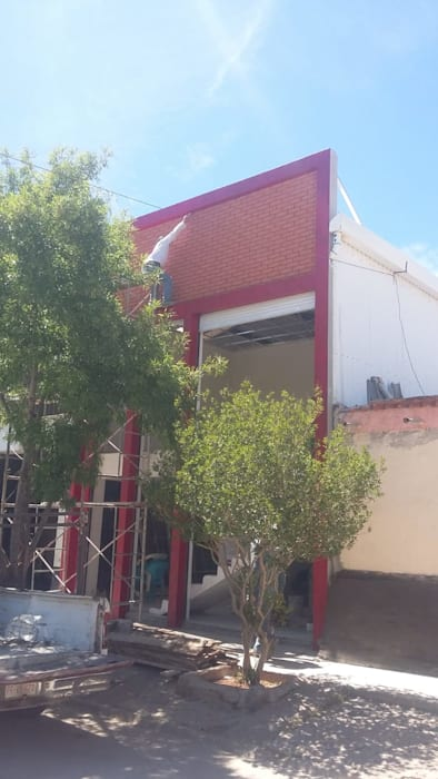 Double Garage by DALSE Construccion & Remodelación,