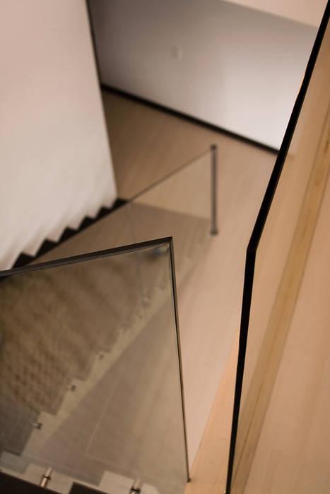 Pent House  RuizPerez-barandas: Escaleras de estilo  por RIVAL Arquitectos  S.A.S.