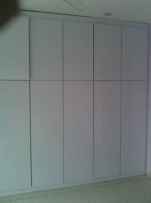 modern  von Sam Contractors Ipoh, Modern Holzspanplatte