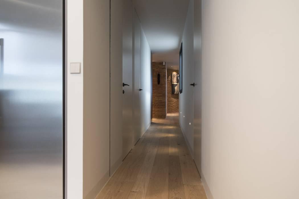 Goian Modern corridor, hallway & stairs