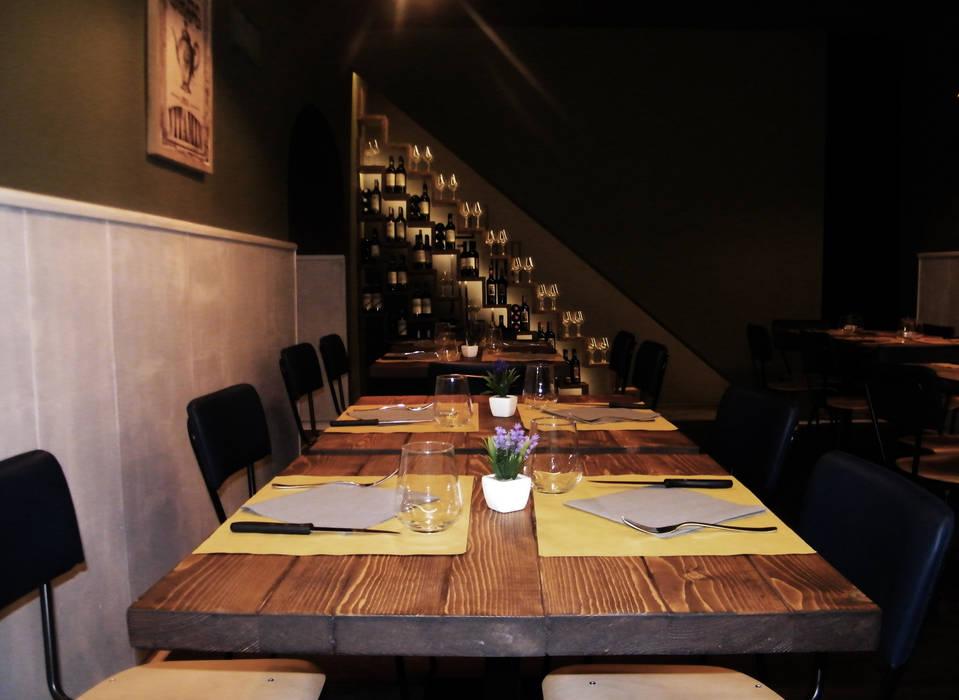 La Bohème - Restaurant & Café - Florence: Sala da pranzo in stile in stile Industriale di Studio Bennardi - Architettura & Design