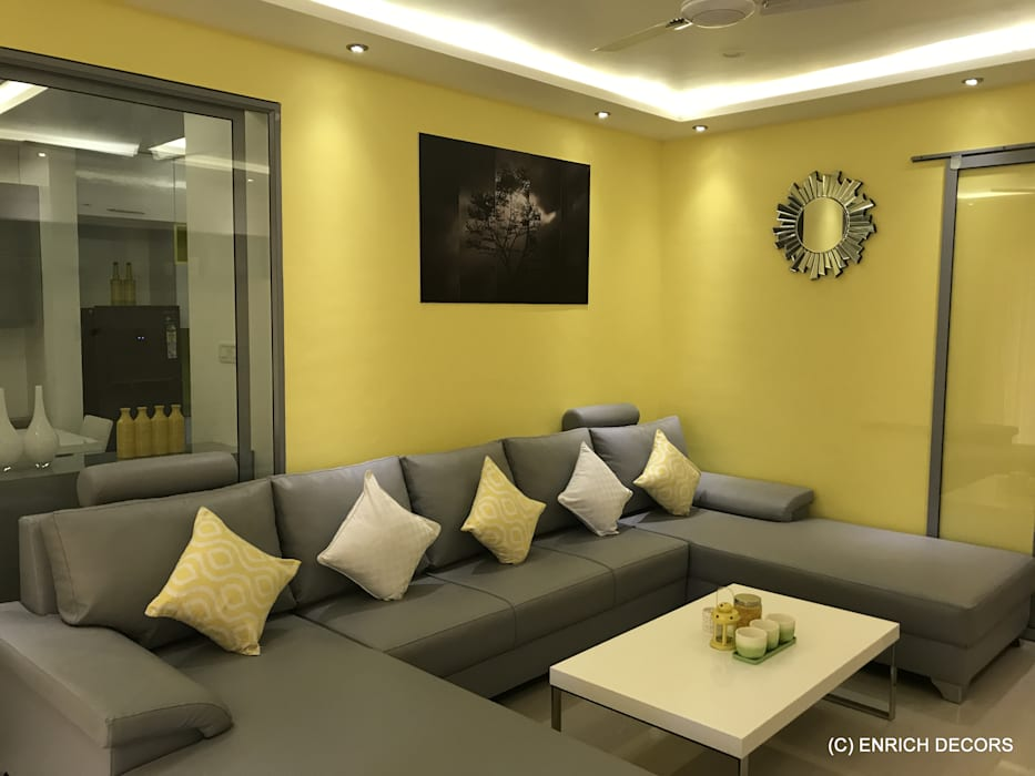 Living Room: modern Living room by Enrich Interiors & Decors