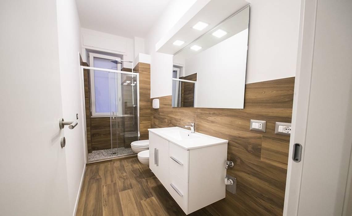 Rivestimento bagno in gres porcellanato effetto legno: bagno in