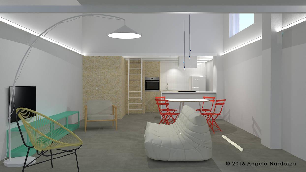 Piccolo loft low budget: soggiorno: Soggiorno in stile  di Angelo Nardozza Architetto