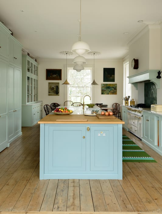 Kitchen by deVOL Kitchens